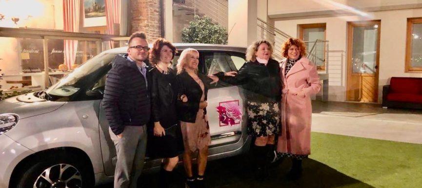 Beneficiamo Bellezza 2019: acquistata un'auto per il trasporto delle pazienti alle cure oncologiche